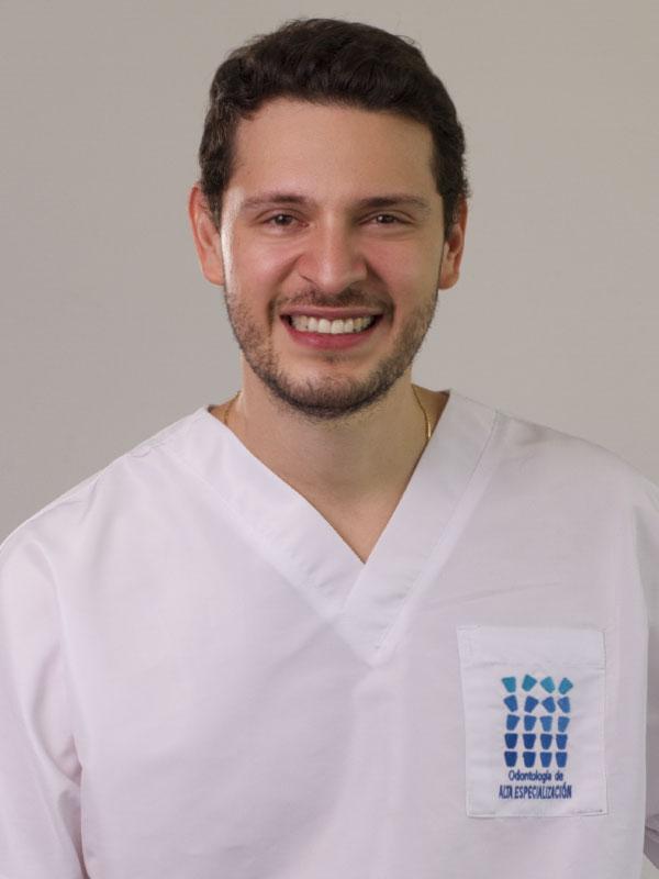 Dr. Andrés Gonzalez